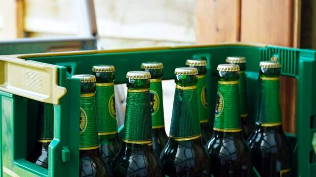 Глава МИД Германии проиграл ящик пива британскому коллеге