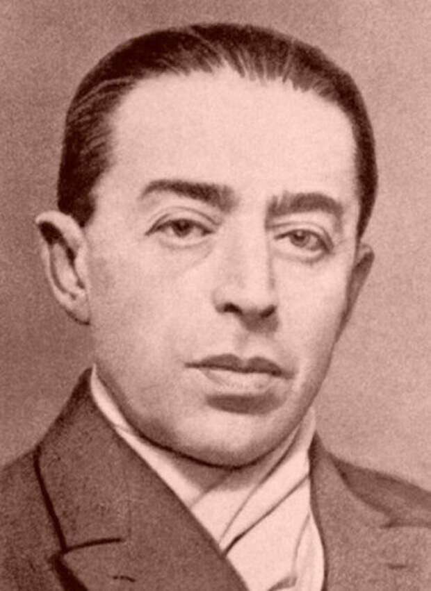 Сын швейцарского эмигранта, русский по духу и воспитанию