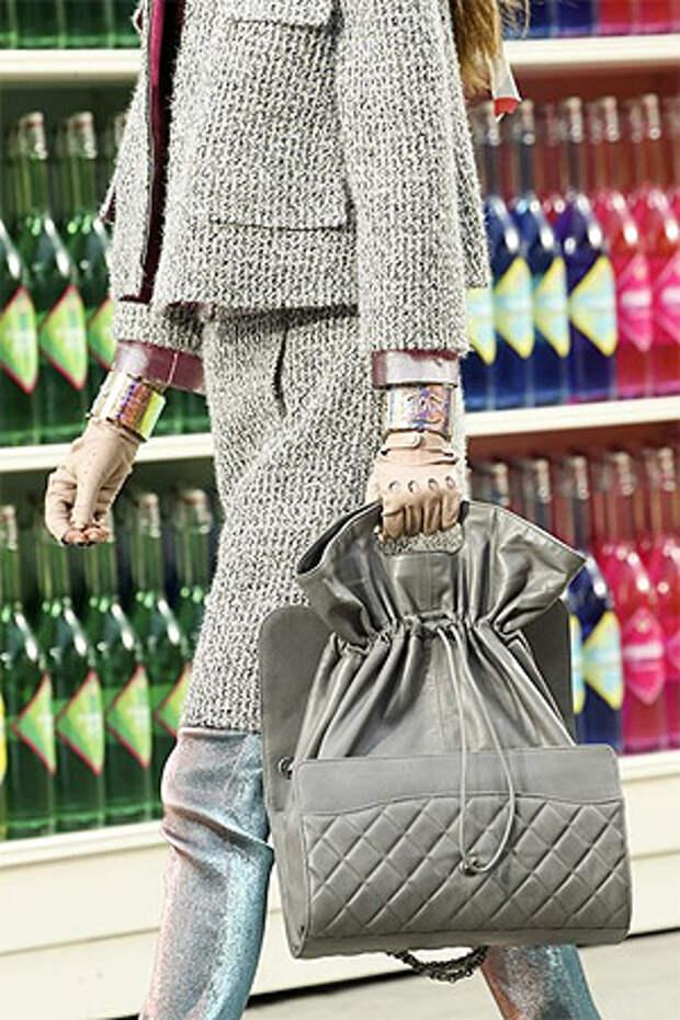Сочетание цвета сумки с цветом одежды