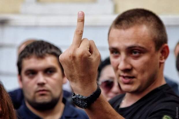 Как не лох «не лоха» обскакал: Стерненко получил условный срок за пытки и похищение