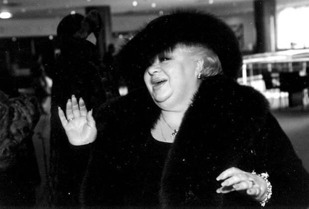 Наталья Крачковская о комедийном амплуа, пышных формах и любви к жизни