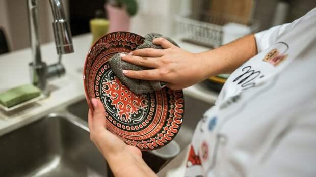 Борьба с микробами: специалисты Роспотребнадзора напомнили о гигиене на кухне