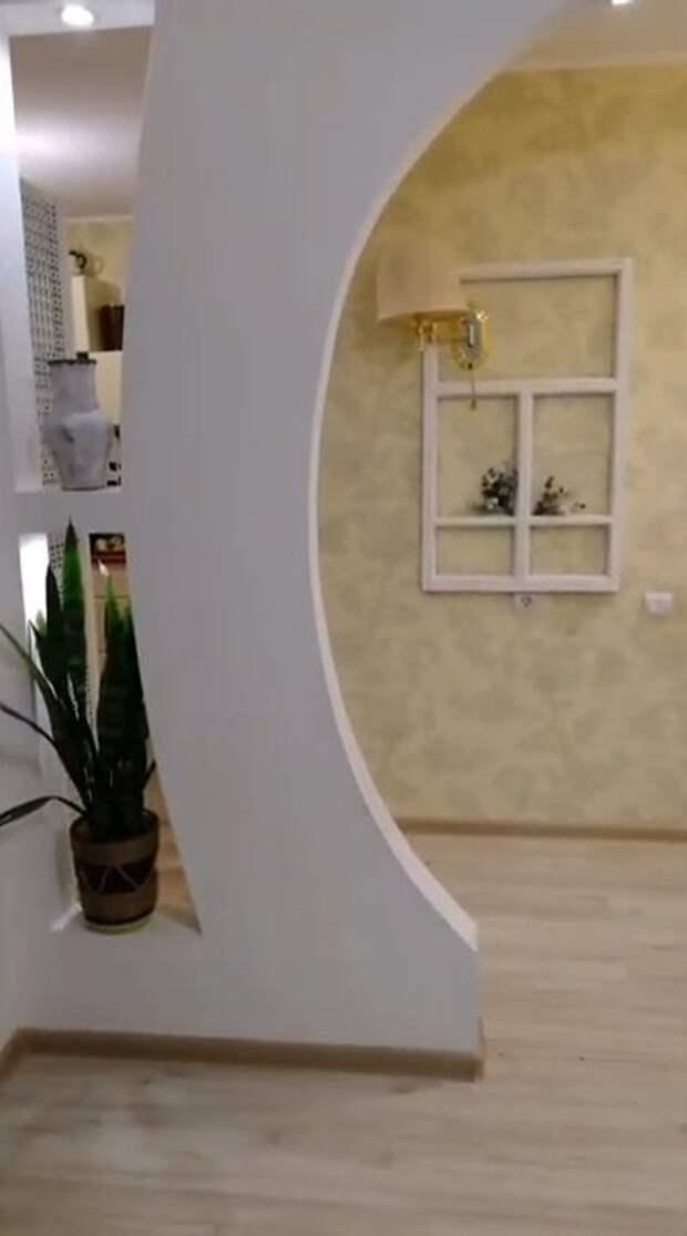 Фальш-окно: красивая идея повторного использования деревянной оконной рамы