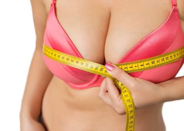 Все больше и больше: как изменилась женская грудь за последние 50лет
