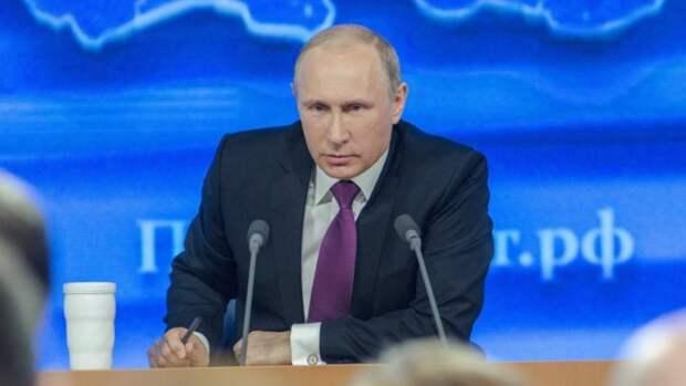 Путин дал ряд поручений после массового убийства в казанской школе