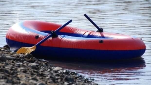 МЧС поделилось советами по спасению из тонущей лодки