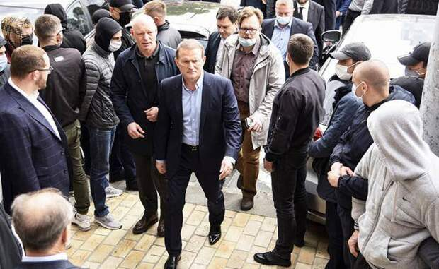 Зеленский оказал Путину «медведчуковскую услугу»