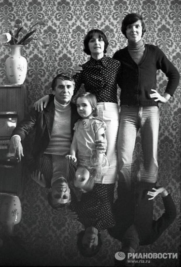 Фотобиография Ады Роговцевой.