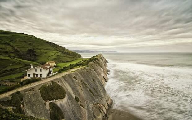 lonelyhouses19 Потрясающие дома, построенные вдали от цивилизации
