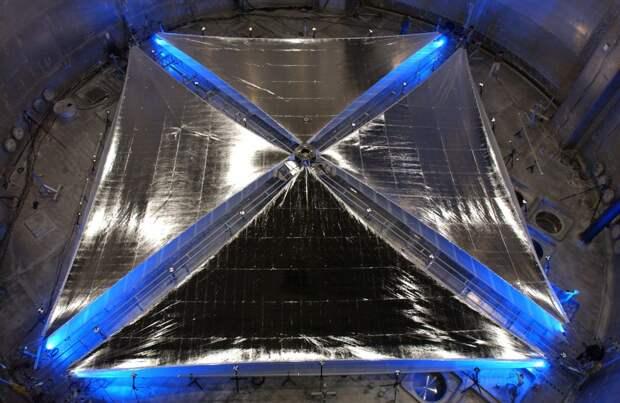 Двадцатиметровый солнечный парус, разработанный NASA.