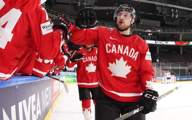 Сборная Канады победила Норвегию, впервые выиграв матч на ЧМ-2021
