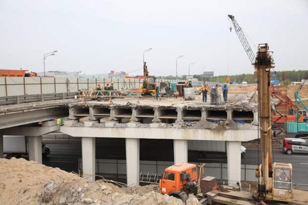 На развязке МКАД с Алтуфьевкой начали демонтировать мост