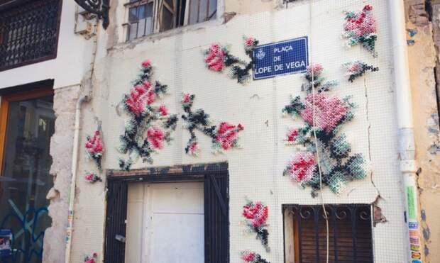 Вышивка крестиком на стенах от Ракель Родриго