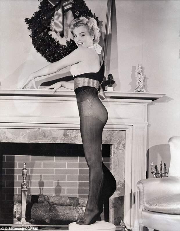 Мэрилин Монро / Marilyn Monroe  в рождественском чулке