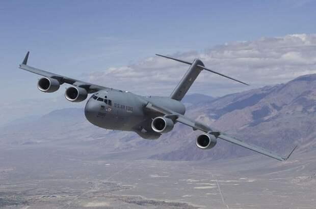 Boeing, принадлежащий ВВС Польши, подал сигнал о захвате - СМИ