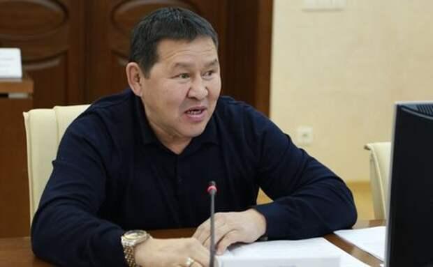 Пьяный депутат на Ниссане сбил троих пешеходов в Якутии