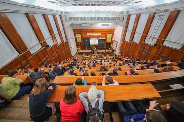 Минобрнауки: Новый учебный год в вузах начнется 1 сентября