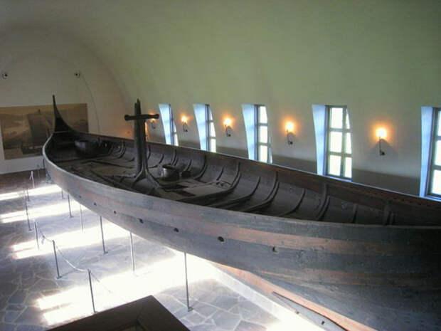 Корабль Gokstad, Культурно-исторический музей (Музей кораблей викингов), Осло, Норвегия.