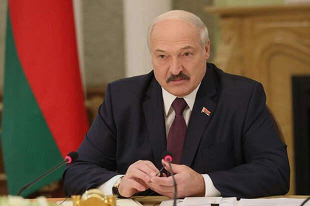 Лукашенко: оппозиция толкает Белоруссию к столкновению с РФ