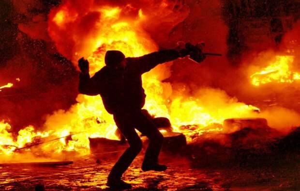 Евросоюз готовит госпереворот в Белоруссии — Александр Роджерс