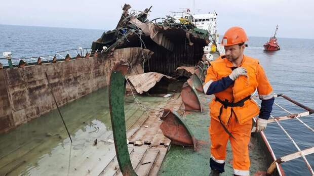 ВРостове пытаются продать танкер, взорвавшийся вАзовском море