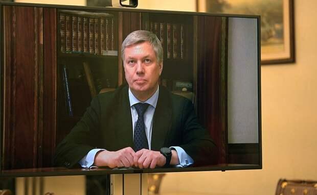 Уроженец Удмуртии на посту главы Ульяновской области, круги над Курилами и сбой «Фейсбука»