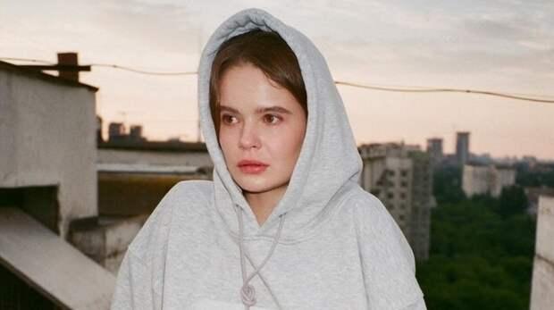 Задержанной в Москве участнице Pussy Riot Никульшиной вменяют неповиновение полиции