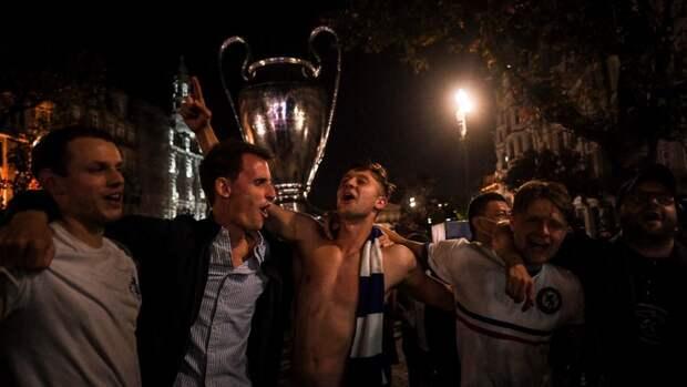Как фанаты «Челси» отпраздновали победу вЛиге чемпионов. Фото, видео