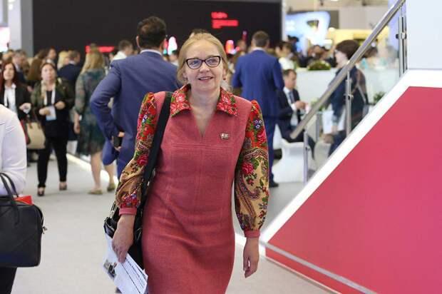 Шувалова пригрозила задать вопросы Собянину и вышла из московской КПРФ
