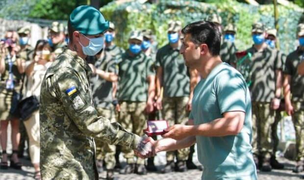 Зеленский пообещал карателям захватить республики Донбасса