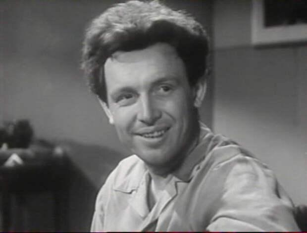 Рядом с нами (1957)