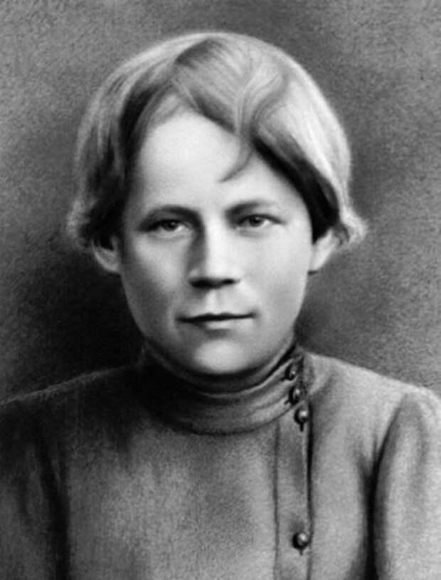Михаил Калинин — ученик токаря Петербургского патронного завода, 1893 год