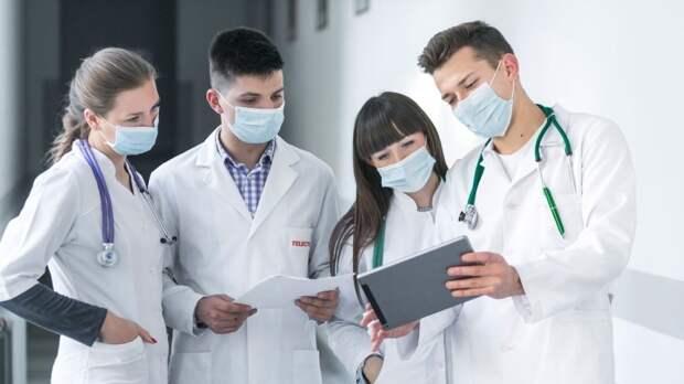 Интерес к профессии медсестры вдвое вырос в Петербурге на фоне пандемии