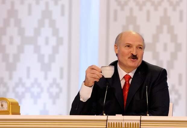 Лукашенко заявил, что ни за какие деньги не станет объединяться с Россией