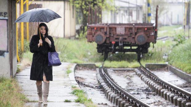 Шесть поездов задержали из-за поврежденных ливнем путей вРостове