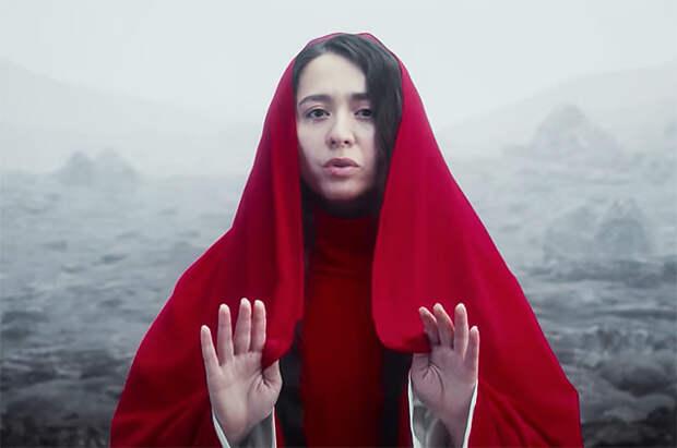 """""""Держи меня земля"""": певица Манижа выпустила новый клип перед своим выступлением на """"Евровидении"""""""