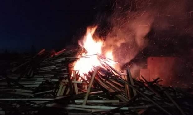 Ночью в Няндоме произошёл пожар на пилораме