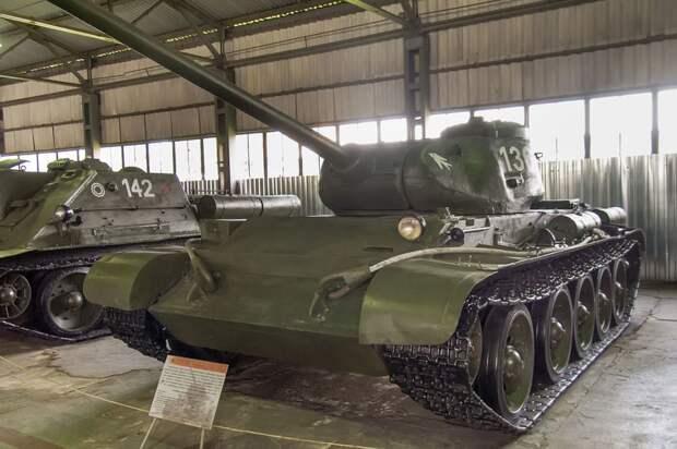 Танк T-44 (Центральный музей бронетанкового вооружения и техники в Кубинке)