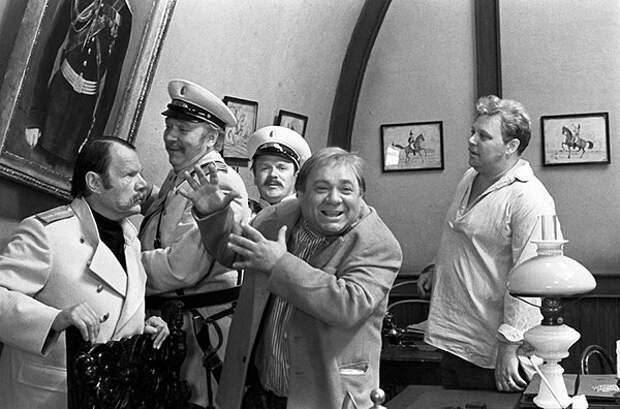Фотографии со съемок культовой комедии «За спичками».