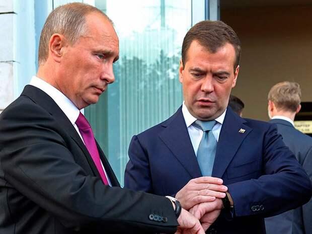 Вместо того, чтобы повысить МРОТ и ввести прогрессивный налог, Медведев предложил сократить рабочую неделю