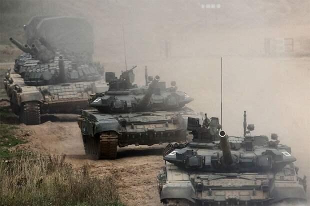 НАТО: у границ с Украиной остаются десятки тысяч российских военных