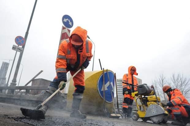 В Фабричном проезде начался капитальный ремонт моста через Сходню