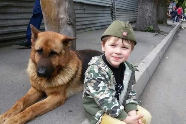 6-летний Иван вместе со своим папой спасли уже более сотни брошенных животных