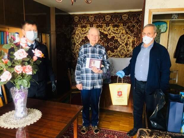 Руководство УВД по САО поздравило ветеранов Великой Отечественной войны