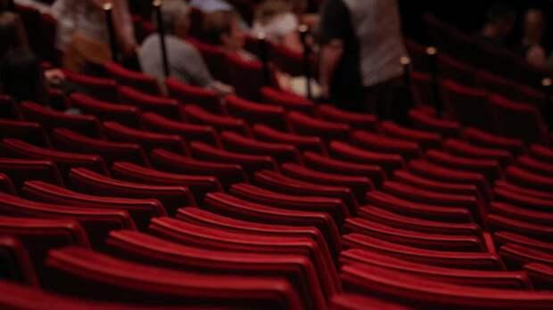 Музеи и театры в столице не будут закрывать на следующей неделе