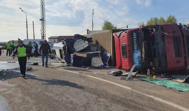 ВСмоленской области автобус столкнулся сфурой: пострадали 13 белорусов