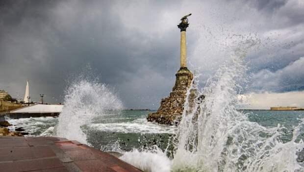 Шторм надвигается на Севастополь: город готовится к ухудшению погоды