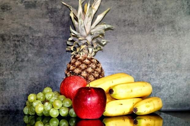 eat-4932852_1280-1024x682 Диетическое меню: пряный суп из фруктов на кефире