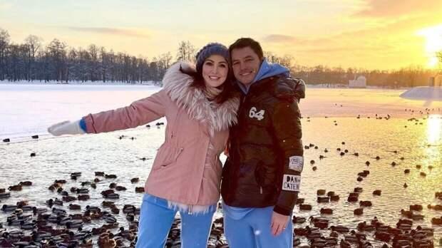 Актриса Анастасия Макеева и ее жених Роман Мальков репетируют свадебный танец
