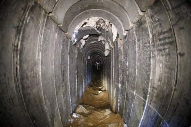 Израиль ночными ударами выдавливает ХАМАС из«метро» всекторе Газа